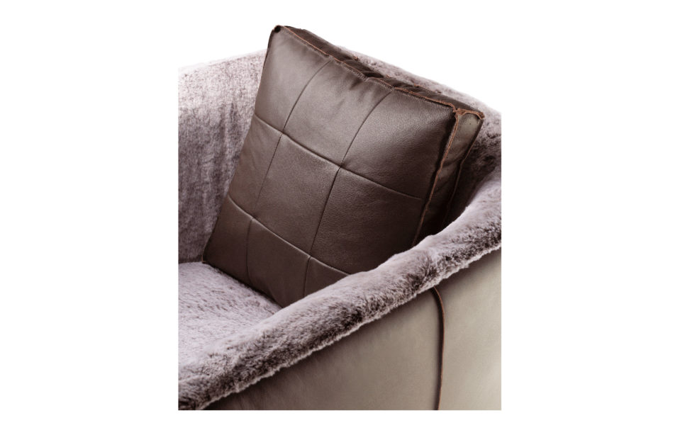 Couch1 Black 0001 Couch3.png